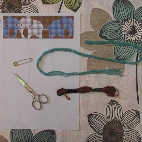 Safety pin brooch - What you need